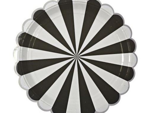 Oggi apparecchio così: tavola bianca e nera