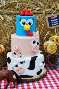 torta-festa-nella-vecchia-fattoria
