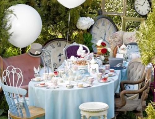 Festa Alice nel Paese delle meraviglie: il nostro coordinato tavola best seller!